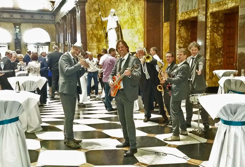 Tom Browne Partyband knackt Spielbank